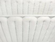 Kühlschrank wird mit Reif bedeckt Stockfoto