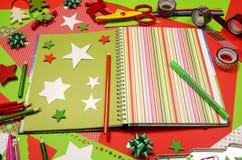 Künste und Handwerksversorgungen für Weihnachten Lizenzfreie Stockbilder