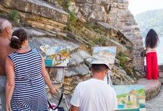 Künstler auf der Promenade von Budva, Montenegro Stockfoto