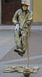 Künstler hängt in einer Luft, Mailand, Italien Lizenzfreie Stockfotografie
