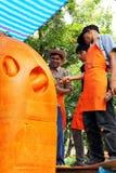 Künstler von Thailand schnitzte Kerzen Lizenzfreie Stockfotos