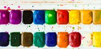 Künstlerbürste und -farbe Lizenzfreies Stockfoto