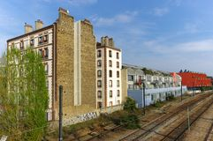 Künstlerdachbodenplatz in der alten Fabrik lizenzfreies stockfoto