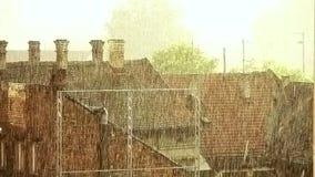 Künstlerisch geordneter Regenguß - starker Regen VII stock video footage