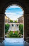 Künstlerische Ansicht des Hofes des Hotels Dieu in Paris nahe Notre-Dame Lizenzfreie Stockbilder