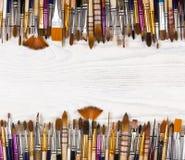 Künstlerische Bürsten in Folge gezeichnet Stockbild