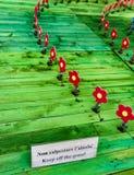 Künstlerische Installation des Spaßes eines hölzernen Gartens Lizenzfreies Stockbild