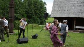 Künstlerische ländliche führen durch stock video