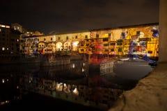 Künstlerische Lichtshow auf Ponte Vecchio stockbilder