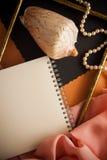 Künstlerischer Hintergrund mit leerem Kopie spcace, orange Palette Stockfoto