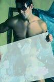 Künstlerischer Mann mit Zeichen Lizenzfreies Stockbild