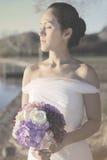 Künstlerisches Bild der Braut im Hochzeitskleid Lizenzfreie Stockfotos