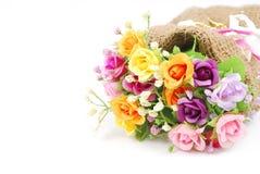 Künstliche Blumen gemacht vom Stoff auf weißem Hintergrund Lizenzfreie Stockfotografie