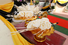 Künstliche Blumen religiösen Rituals Thailands für die Einäscherung Stockfotografie