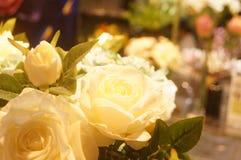 Künstliche Blumen, sehr lebensecht stockfotografie