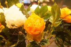 Künstliche Blumen, sehr lebensecht stockbilder