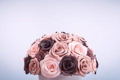 Künstliche Blumen von Rosen Stockfotografie