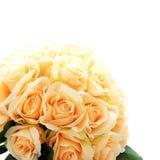 Künstliche rosafarbene Blumen auf Weiß Stockfoto