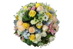 Künstlicher Bereich der Blumenanordnung und -dekoration in der Kugelform lokalisiert auf weißem Hintergrund für Heiratsund romant lizenzfreies stockfoto