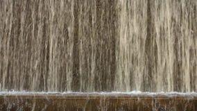 Künstlicher Wasserfall stock video footage