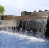 Künstlicher Wasserfall Lizenzfreie Stockfotografie