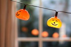 Kürbis-Halloween-Girlande Stockbild