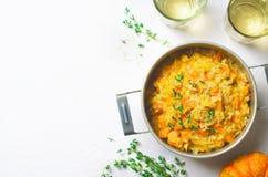 Kürbis Risotto mit Thymian und Parmesankäse, italienische Küche stockbild