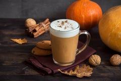 Kürbisgewürz Latte Stockfotografie