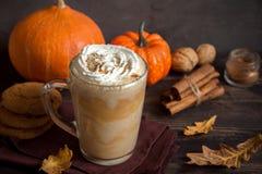 Kürbisgewürz Latte Lizenzfreie Stockfotos