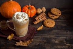 Kürbisgewürz Latte Stockfoto
