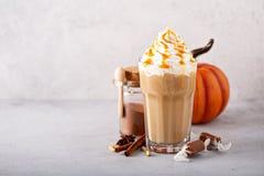 Kürbisgewürz Latte stockbilder