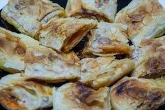 Kürbisstrudel, Kürbiskuchen, Moschuskürbis, traditioneller europäischer Kuchen lizenzfreies stockbild