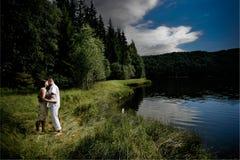 Küssen der Paare Lizenzfreie Stockfotos