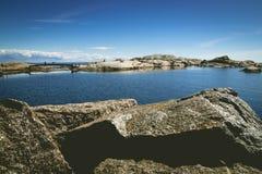 Küste bei Verdens Ende, Norwegen lizenzfreie stockbilder