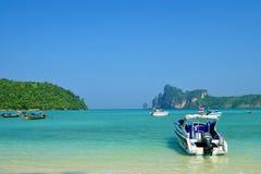 Küste des Insel KOH-Phi-Phis Lizenzfreie Stockfotos