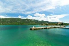 Küste in Mali Ston, adriatisches Meer, Kroatien Stockbilder