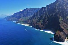 Küste Na Pali in Kauai, Hawaii lizenzfreie stockbilder