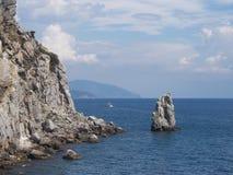 Küste nahe Lastochkino-gnezdo Palast Stockfoto