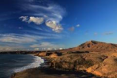 Küste am Sonnenuntergang Lizenzfreie Stockbilder