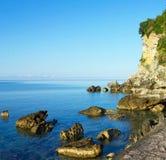 Küste von adriatischem Meer im Sommer, Budva, Montenegro Lizenzfreies Stockbild