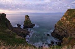 Küste von Asturias an der Dämmerung Stockbild