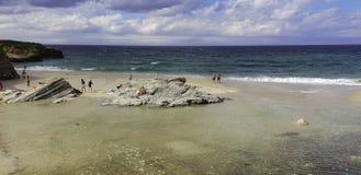 Küste von Lugo, Strand in Barreiros lizenzfreie stockfotografie
