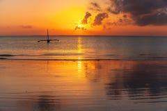 Küste von Mombasa, Kenia, Ozean, Wolken, Küste Lizenzfreies Stockfoto