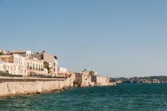 Küste von Ortigia-Insel an der Stadt von Syrakus, Sizilien, Italien Lizenzfreies Stockfoto
