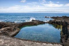 Küste von Pico-Insel, künstlicher Strand, Azoren lizenzfreies stockbild