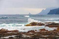 Küste von Punta Del Hidalgo Teneriffa Stockfotos