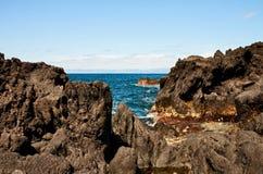 Küste von vulkanischer Insel Pico in Atlantik Lizenzfreies Stockbild