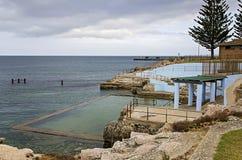 Küsten-Felsen-Pool Stockfoto