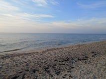 Küsten-Ostsee in Kaliningrad-oblast lizenzfreie stockfotos