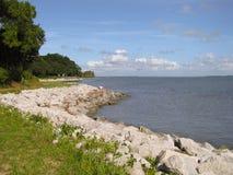 Küsten-Rocky Shore von Insel stockfotos